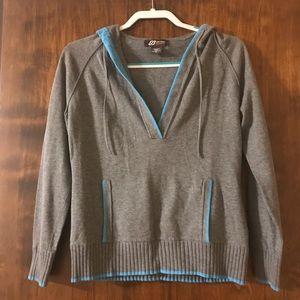 Eddie Bauer Women's Low Cut Sweater Size M